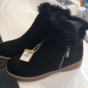 American Eagle Outfitters Shoes - New/tag AE Suede Bootie sz 7.5